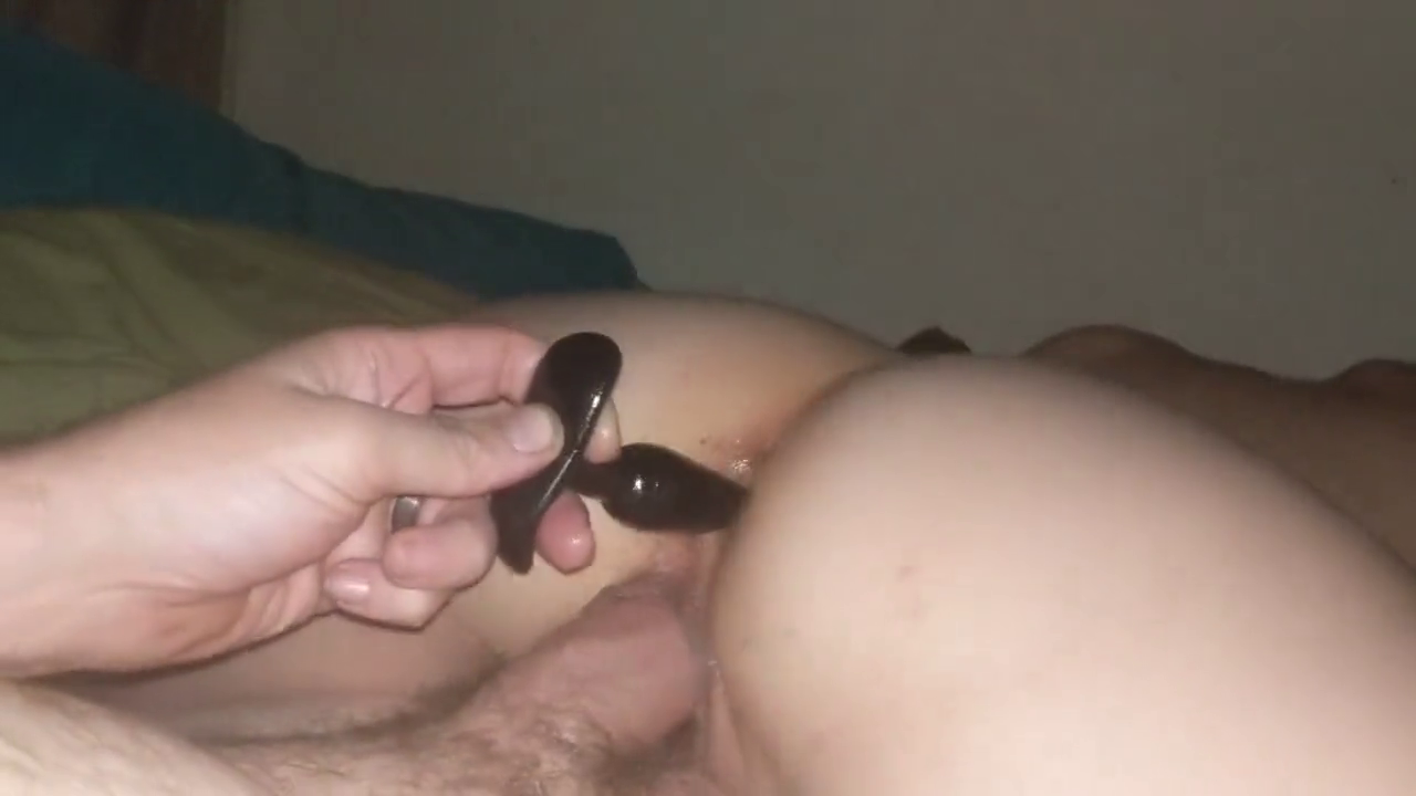 Cheating milf having butt-plug up her ass